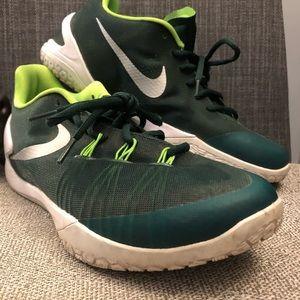 Nike Hyperchase TB Basketball Shoe